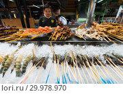 Street food in Malaysia (2017 год). Редакционное фото, фотограф Александр Подшивалов / Фотобанк Лори