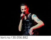 Купить «Depeche Mode Performing at Manchester Arena Featuring: Depeche Mode, Dave Gahan Where: Manchester, United Kingdom When: 17 Nov 2017 Credit: Sakura/WENN.com», фото № 30056882, снято 17 ноября 2017 г. (c) age Fotostock / Фотобанк Лори