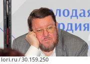 Радиоведущий Евгений Сатановский (2019 год). Редакционное фото, фотограф Сергей Соболев / Фотобанк Лори