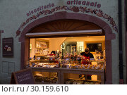 France, Ribeauville - Confectionery (biscuiterie) in Alsace (2014 год). Редакционное фото, агентство Caro Photoagency / Фотобанк Лори