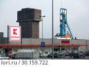 Купить «Poland, Bytom (Bytom) - supermarkets and a disused colliery», фото № 30159722, снято 28 февраля 2018 г. (c) Caro Photoagency / Фотобанк Лори