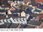 Купить «Solar settlement in Bottrop, Ruhr area, Germany, Europe», фото № 30160318, снято 20 января 2019 г. (c) Caro Photoagency / Фотобанк Лори