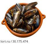 Купить «French dish - mussels with onion sauce», фото № 30175474, снято 22 марта 2019 г. (c) Яков Филимонов / Фотобанк Лори