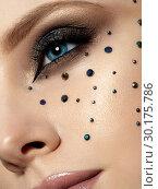 Купить «Portrait of beautiful woman with fashion make up», фото № 30175786, снято 16 января 2019 г. (c) Людмила Дутко / Фотобанк Лори