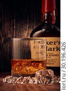 St.Petersburg, Russia - February 2019 - Maker's Mark bourbon whisky (2018 год). Редакционное фото, фотограф Мельников Дмитрий / Фотобанк Лори