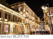 Купить «Улица Низами в вечернем освещении. Центральная торговая улица Баку. Азербайджан», фото № 30217110, снято 22 сентября 2018 г. (c) Евгений Ткачёв / Фотобанк Лори