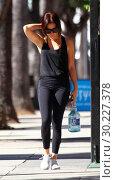 Ashley Tisdale spotted leaving the gym in Studio City (2017 год). Редакционное фото, фотограф WENN.com / age Fotostock / Фотобанк Лори