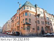 Здание в стиле Art Nouveau. Район Катаянокка. Хельсинки. Финляндия (2018 год). Редакционное фото, фотограф E. O. / Фотобанк Лори