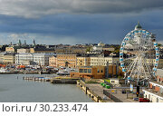 Купить «Evangelical Lutheran cathedral of Diocese of Helsinki, Market Square (Kauppatori), Allas Sea Pool and Finnair SkyWheel in September», фото № 30233474, снято 24 сентября 2018 г. (c) Валерия Попова / Фотобанк Лори