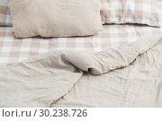 Купить «light linen bedclothes on bed», фото № 30238726, снято 25 февраля 2019 г. (c) Майя Крученкова / Фотобанк Лори