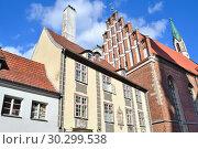 Купить «Riga Old Town», фото № 30299538, снято 2 августа 2017 г. (c) Татьяна Савватеева / Фотобанк Лори