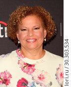 Купить «Celebrities attend PaleyFest Fall 'Comedy Get Down' Arrivals at The Paley Center For Media in Beverly Hills. Featuring: Debra L. Lee Where: Los Angeles...», фото № 30303534, снято 15 сентября 2017 г. (c) age Fotostock / Фотобанк Лори