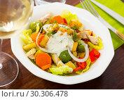 Купить «Salad with chicken, eggplants, greens», фото № 30306478, снято 15 июня 2019 г. (c) Яков Филимонов / Фотобанк Лори