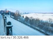 Купить «Волга в Нижнем Новгороде зимой», фото № 30326466, снято 6 января 2019 г. (c) Baturina Yuliya / Фотобанк Лори