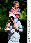 Купить «Mo Farah out and about in Legoland resort Windsor with his family earlier today Featuring: Mo Farah, Hussein Farah Where: Windsor, United Kingdom When: 01 Sep 2017 Credit: WENN.com», фото № 30343054, снято 1 сентября 2017 г. (c) age Fotostock / Фотобанк Лори