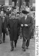 Купить «USSR Vladivostok -- 23 Nov 1974 -- US President Gerald R Ford and Soviet General Secretary Leonid I Brezhnev depart from the train upon their arrival at...», фото № 30346074, снято 6 июля 2020 г. (c) age Fotostock / Фотобанк Лори