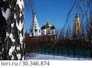 Купить «Вид на Соборную площадь Коломенского кремля», фото № 30346874, снято 23 февраля 2019 г. (c) Natalya Sidorova / Фотобанк Лори
