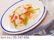 Купить «Cauliflower vegetable salad with stewed green beans and pepper», фото № 30347666, снято 20 марта 2019 г. (c) Яков Филимонов / Фотобанк Лори