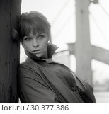 Купить «Berlin, German Democratic Republic, Angelica Domroese, actress», фото № 30377386, снято 1 апреля 1963 г. (c) Caro Photoagency / Фотобанк Лори