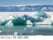 Transparent ice hummocks on Lake Baikal, Eastern Siberia, Russia (2019 год). Стоковое фото, фотограф Наталья Волкова / Фотобанк Лори