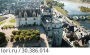 Купить «View of Royal castle Chateau de Amboise on river Loire, France», видеоролик № 30386014, снято 25 октября 2018 г. (c) Яков Филимонов / Фотобанк Лори