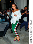 Купить «Leigh-Anne Pinnock wears a Gucci ensemble while out for dinner at Catch LA restaurant Featuring: Leigh Anne Pinnock Where: West Hollywood, California, United States When: 04 Aug 2017 Credit: WENN.com», фото № 30401002, снято 4 августа 2017 г. (c) age Fotostock / Фотобанк Лори