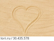 Купить «picture of heart in sand on summer beach», фото № 30435578, снято 27 июня 2018 г. (c) Syda Productions / Фотобанк Лори