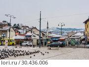 Shops at main square of Bascarsija historical district in Sarajevo, Bosnia and Herzegovina (2018 год). Редакционное фото, фотограф Николай Коржов / Фотобанк Лори
