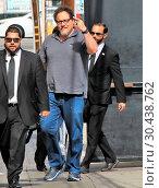 Jon Favreau arrives at the 'Jimmy Kimmel Live!' studios ahead of ... (2017 год). Редакционное фото, фотограф WENN.com / age Fotostock / Фотобанк Лори