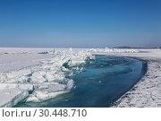 Купить «Crack in the ice of lake Baikal. Eastern Siberia, Russia», фото № 30448710, снято 16 марта 2019 г. (c) Наталья Волкова / Фотобанк Лори