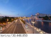 Купить «Moskva River and the Kremlin (at night), Moscow, Russia--the most popular view of Moscow», фото № 30448850, снято 17 августа 2018 г. (c) Владимир Журавлев / Фотобанк Лори