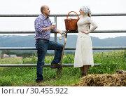 Two farm workers taking a pause. Стоковое фото, фотограф Яков Филимонов / Фотобанк Лори