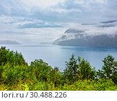 Купить «Summer fjord view, Norway», фото № 30488226, снято 16 июля 2013 г. (c) Юрий Брыкайло / Фотобанк Лори