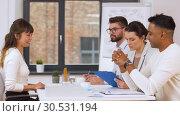 Купить «recruiters having interview with employee», видеоролик № 30531194, снято 29 марта 2019 г. (c) Syda Productions / Фотобанк Лори