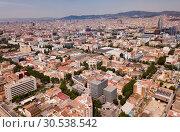 Купить «European city Barcelona with view of blocks of flats, Spain», фото № 30538542, снято 27 июня 2018 г. (c) Яков Филимонов / Фотобанк Лори