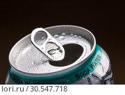 Купить «Aluminum can with water drops», фото № 30547718, снято 5 февраля 2014 г. (c) Tryapitsyn Sergiy / Фотобанк Лори