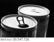 Купить «Aluminum can with water drops», фото № 30547726, снято 7 февраля 2014 г. (c) Tryapitsyn Sergiy / Фотобанк Лори