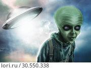 Alien and UFO. Стоковое фото, фотограф Tryapitsyn Sergiy / Фотобанк Лори