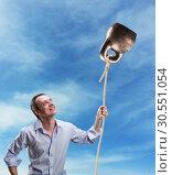 Купить «Strange dreamy man with a kettlebell», фото № 30551054, снято 5 марта 2015 г. (c) Tryapitsyn Sergiy / Фотобанк Лори