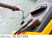 Купить «Multimetr working», фото № 30551894, снято 23 июня 2011 г. (c) Tryapitsyn Sergiy / Фотобанк Лори