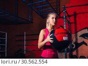 Купить «Girl with med ball», фото № 30562554, снято 23 сентября 2016 г. (c) Tryapitsyn Sergiy / Фотобанк Лори