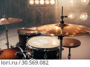 Drum kit, percussion instrument, beat set, nobody. Стоковое фото, фотограф Tryapitsyn Sergiy / Фотобанк Лори