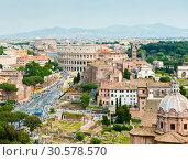 Купить «Вид на здание Колизея с высоты птичьего полета в весенний день. Рим. Италия», фото № 30578570, снято 28 апреля 2018 г. (c) E. O. / Фотобанк Лори