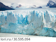Купить «Vertical edge of glacier Perito Moreno», фото № 30595094, снято 2 февраля 2017 г. (c) Яков Филимонов / Фотобанк Лори
