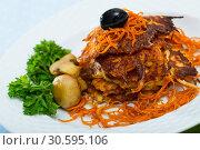 Купить «Vegetarian breakfast, fried carrot patties», фото № 30595106, снято 25 апреля 2019 г. (c) Яков Филимонов / Фотобанк Лори