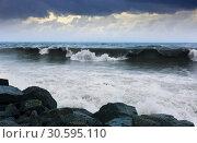 Купить «wave during storm», фото № 30595110, снято 20 октября 2019 г. (c) Яков Филимонов / Фотобанк Лори