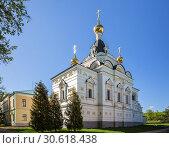 Купить «Елизаветинская церковь в Дмитрове», фото № 30618438, снято 10 мая 2018 г. (c) Юлия Бабкина / Фотобанк Лори