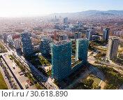 Купить «European city Barcelona with view of blocks of flats, Spain», фото № 30618890, снято 5 марта 2019 г. (c) Яков Филимонов / Фотобанк Лори