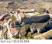 Купить «Aerial view of Castillo de Morella», фото № 30618894, снято 10 марта 2019 г. (c) Яков Филимонов / Фотобанк Лори