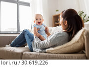 Купить «happy mother with little baby son at home», фото № 30619226, снято 23 февраля 2018 г. (c) Syda Productions / Фотобанк Лори